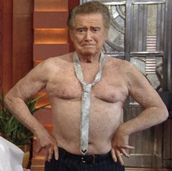 Michael Strahan : Regis shirtless