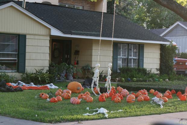 Halloween House 17