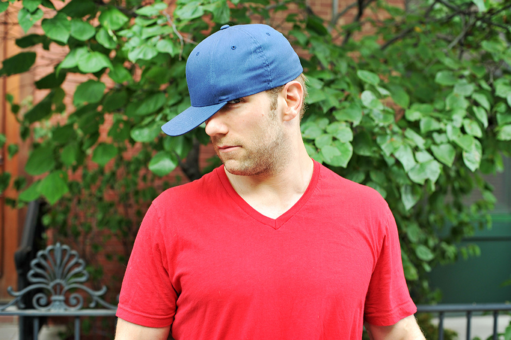 c20023cf5 10 Ways Guys Wear Baseball Hats (And What Each Style Says About Them ...