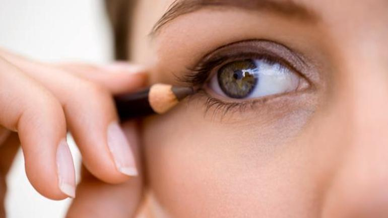 9 Genius Makeup Hacks For Women