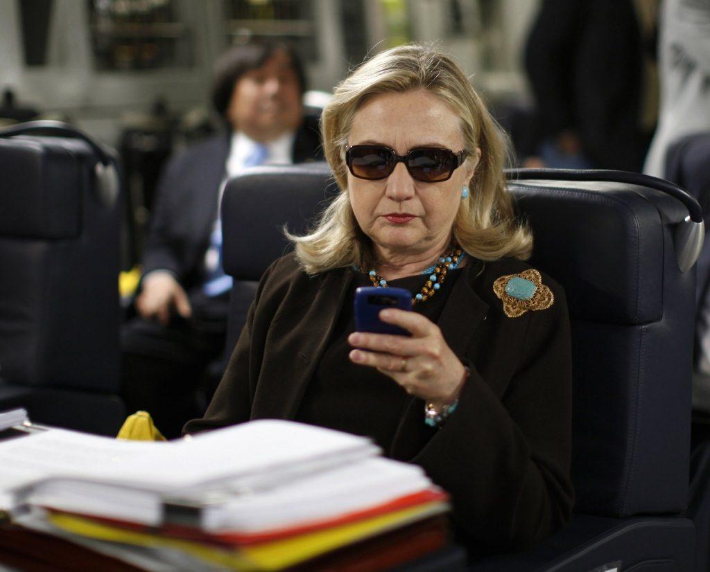 la-pn-hillary-clinton-email-20150306