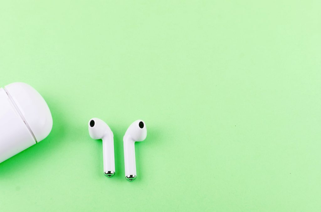 Time to Troubleshoot Common Problems With AirPods and How to Fix Them