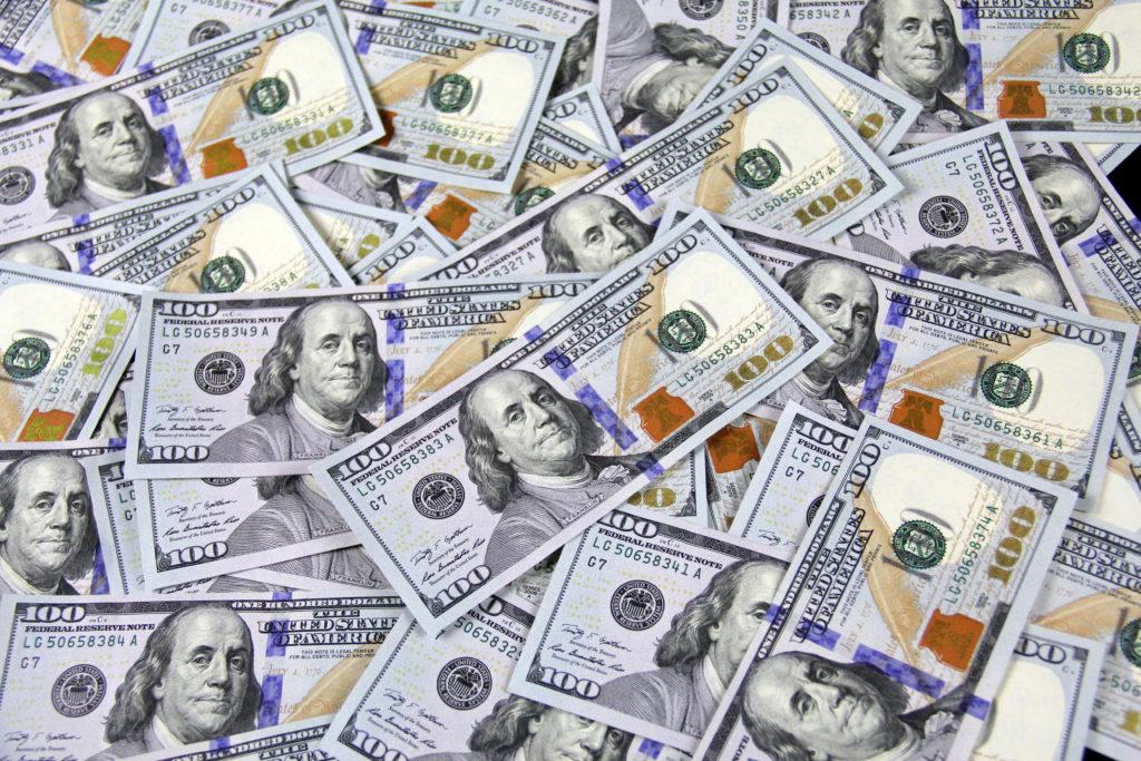 100 us dollar banknotes 3483098